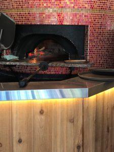キャボロカフェのピザ窯